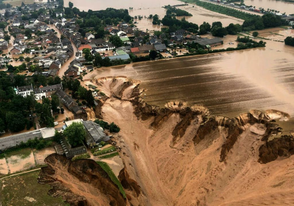 Image aérienne de la récente inondation tragique en Allemagne. Crédits : Rhein-Erft-Kreis / AP
