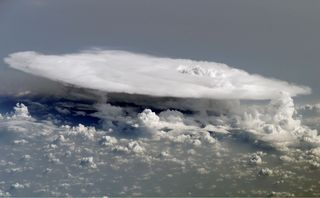 El tamaño de los torreones convectivos e intensidad de los tornados