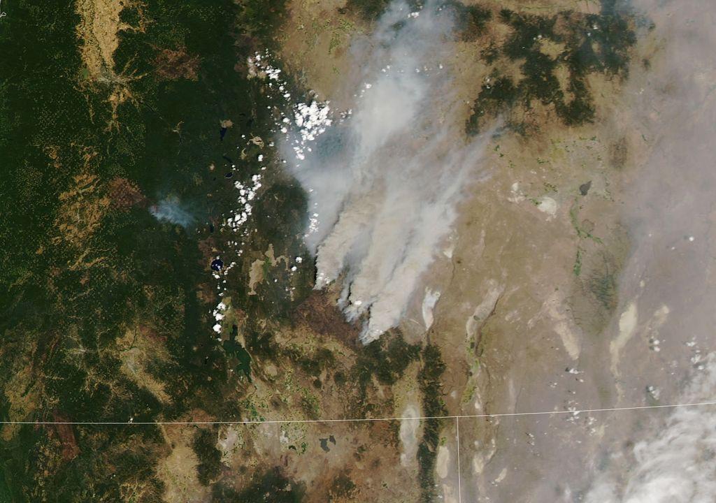 Plumas de humo de incendios forestales en Oregon