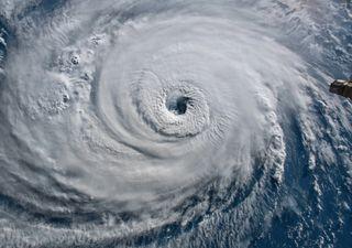 En plena época de huracanes y tifones, ¿sabrías diferenciarlos?