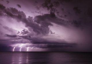 "Hurrikan ""Enrique"" trifft auf den Westen Mexikos!"