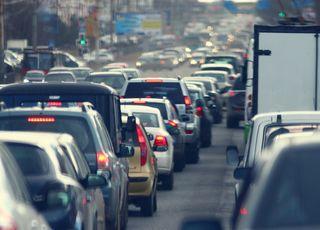 Est-ce vrai qu'on pollue plus en roulant à 30 km/h en ville ?
