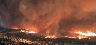 Estudio del tornado de fuego en mortal incendio de Carr: causas y pronóstico
