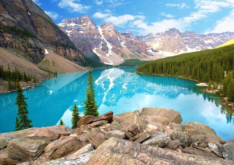 Lago formado por derretimento de geleira.
