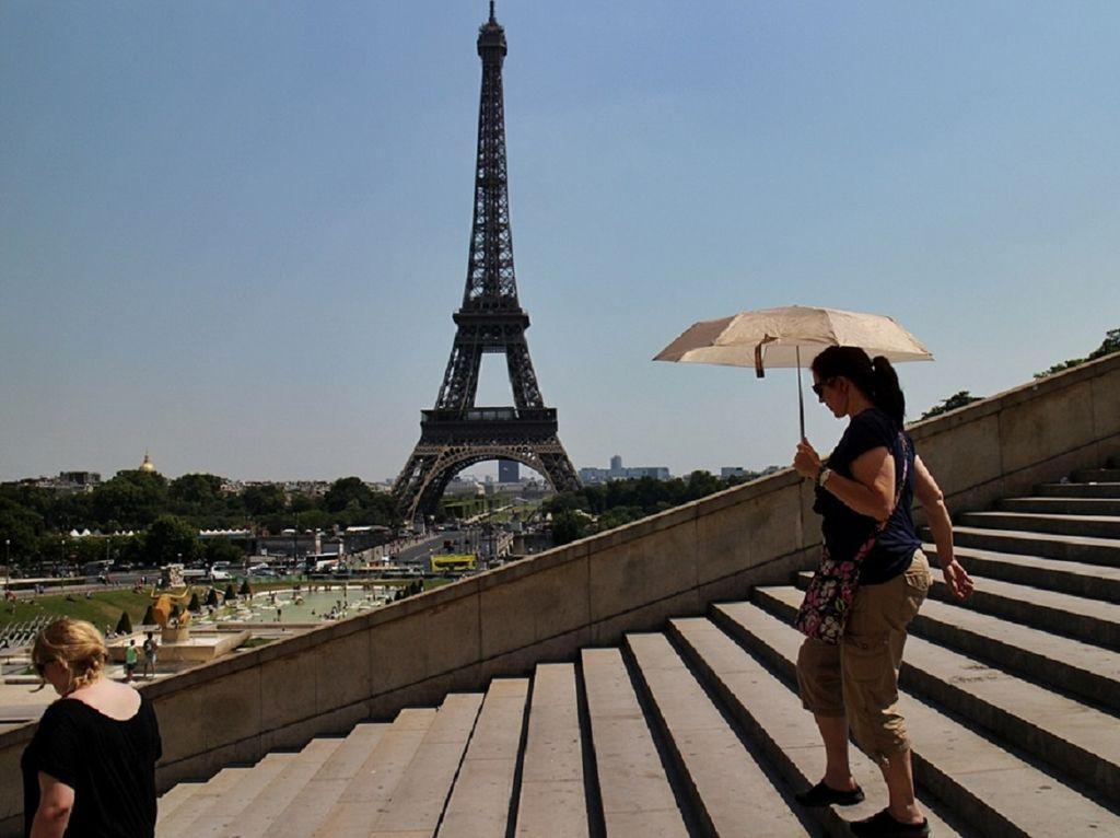 Avec 42,6°C le 25 juillet 2019, Paris enregistre un nouveau record de chaleur et prend la 4ème du classement des capitales européennes les plus chaudes.