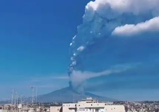 More Etna explosions: videos of the volcanic eruption