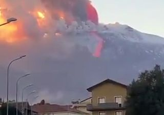 Etna video footage: A major volcanic eruption is underway