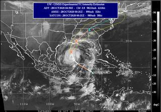 Evacuaciones en la costa americana por la llegada del huracán Zeta