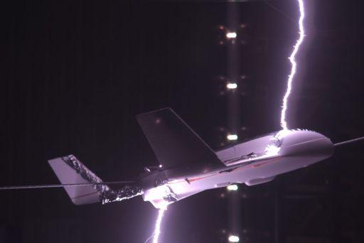 Evitando que los rayos alcancen a los aviones