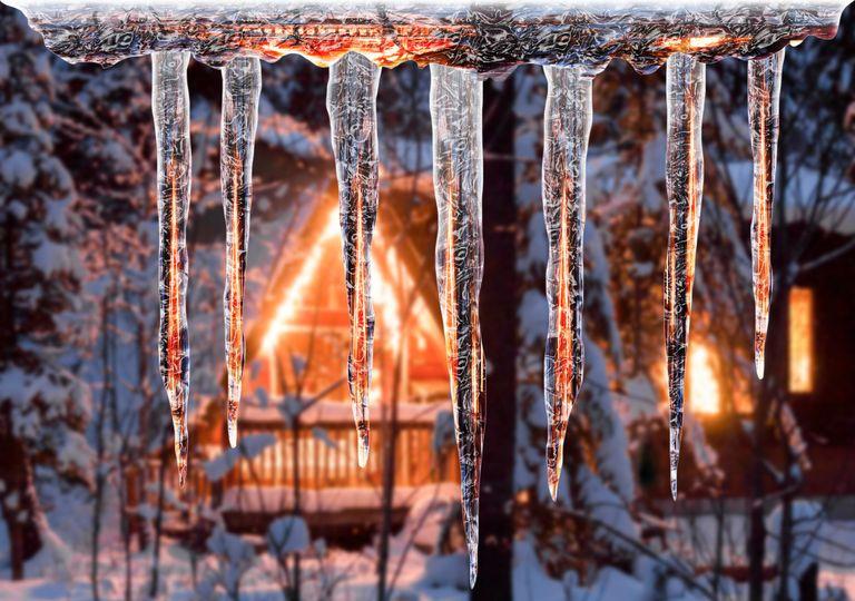 estalactitas, carámbanos, hielo, peligro, invierno