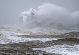 Fevereiro termina com nova tempestade de inverno Jorge na Europa