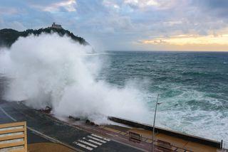¿Lloverá este fin de semana? Habrá olas de 5 metros en el Cantábrico