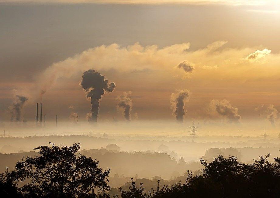 Desde hace -demasiados- años se ha venido advirtiendo, el carbón es uno de los principales responsables del cambio climático y la contaminación del aire.