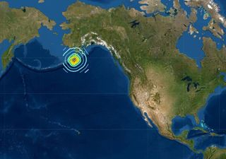Forte terremoto de magnitude 7.8 atinge o Alasca