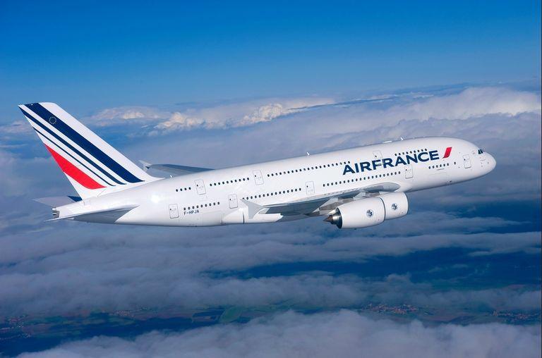 Francia impondrá un impuesto verde al avión