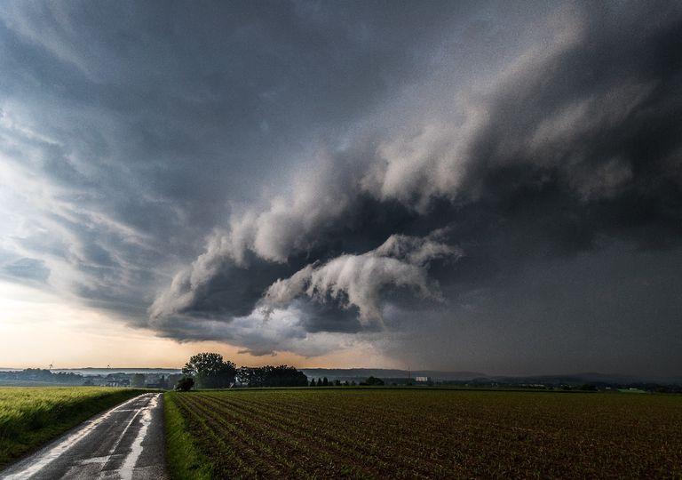 frente fria, tempestades, shelf cloud