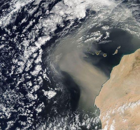 Gran Tormenta De Polvo Sobre Canarias