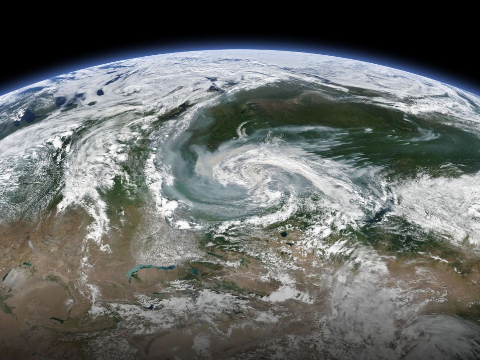humo visto desde el espacio de lo incendios de Siberia