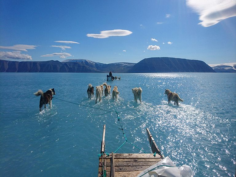 Deshielo en el fiordo de Inglefield Bredning en el noroeste de Groenlandia.