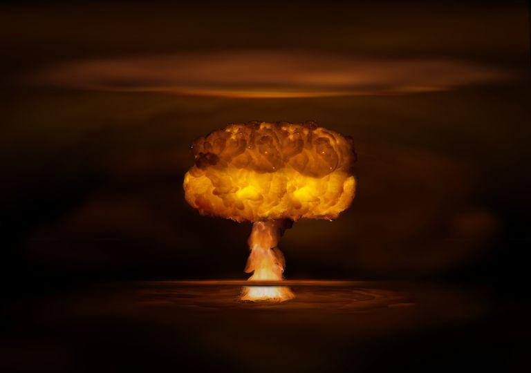 Explosão de bomba atómica.