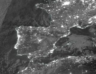 Imágenes de la banda diurna/nocturna del satélite Suomi-NPP