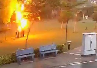 Imagens fortes: 4 pessoas são atingidas por um raio na Índia