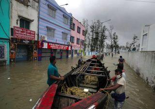 Impresionantes videos del mortal ciclón Yaas azotando India