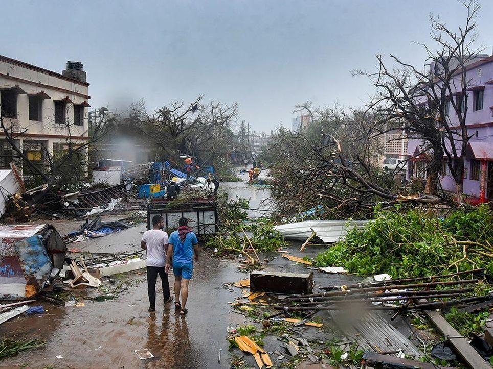 ciclón Fani destrozos evacuados India