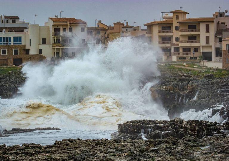 inundação costeira; mar; localidade