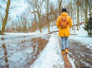 ¿Cada centímetro de nieve equivale a 1 litro por metro cuadrado?