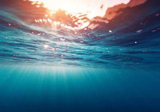 ¿Cuándo está más fría el agua del mar? En España, justo ahora