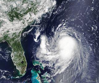 La tormenta tropical Henri se intensificará a huracán