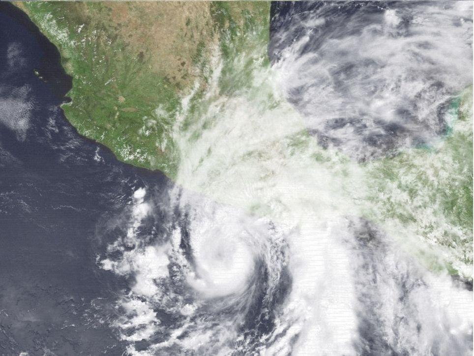 Cosme ingresó a continente en el Estado de Guerrero, se presentaron daños graves en Acapulco.