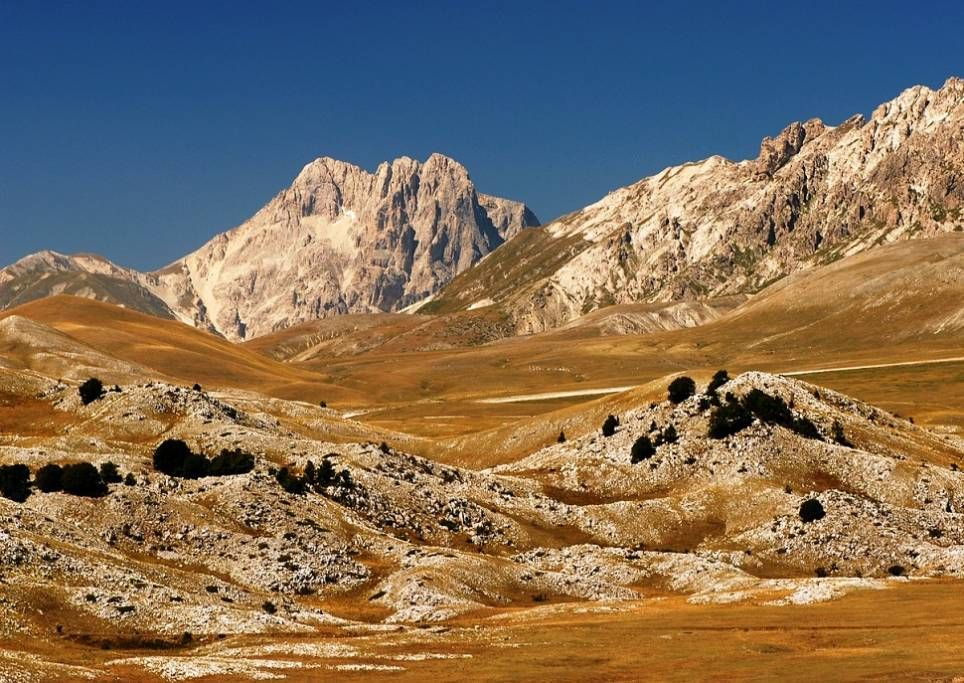 gran-sasso-italia-montagna