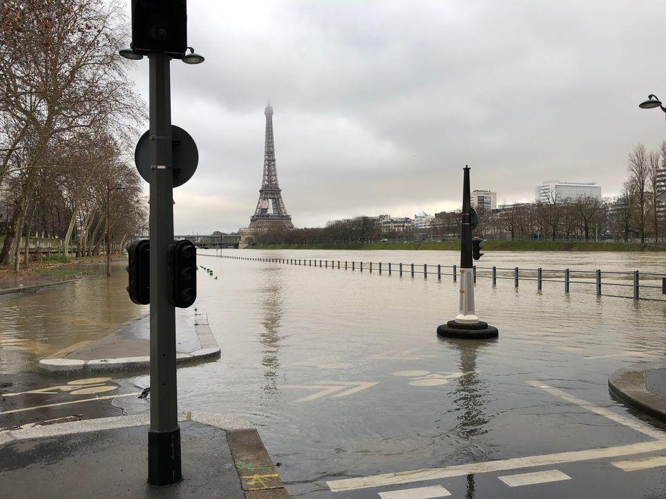 La Seine continue de monter doucement — Crues