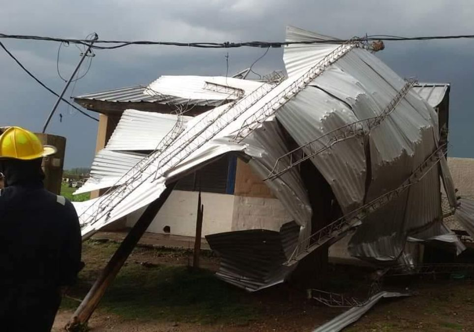 Arrecifes tormenta tornado destrozos