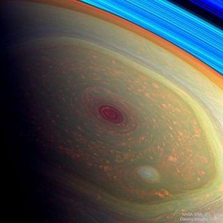 Los científicos sin resolver el misterio del hexágono de Saturno