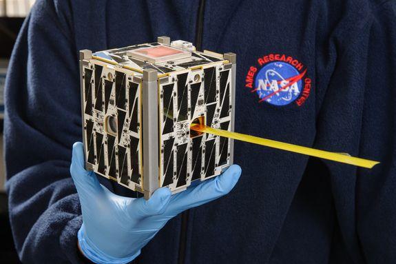 Los Diminutos Satélites Cubesats