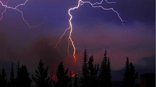 Los rayos y los fuegos forestales boreales cada vez más al norte