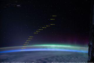 Los satélites de Starlink fotográficos de la ISS