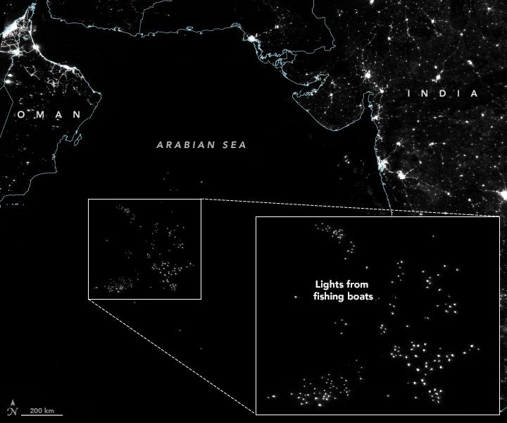 Luces de la noche en el Mar Arábigo: pesca ilegal