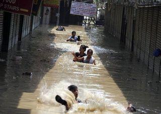 Más de 700 personas muertas por el monzón en la India