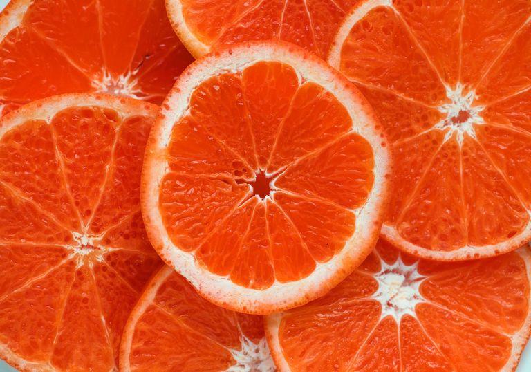 CO2 más concentración de vitamina C en naranjas
