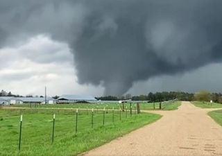 Allerta meteo negli USA per lo sviluppo di tornado pericolosi: i video