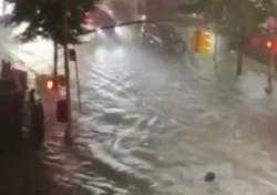 Alluvioni e tempeste sull'East Coast e l'area di New York: i video