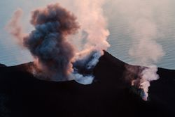 Hoy llega a la Península el SO2 emitido por el volcán de La Palma