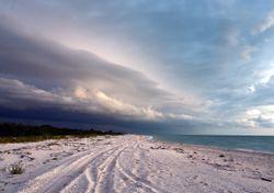 Tren de ondas tropicales hacia la Península de Yucatán