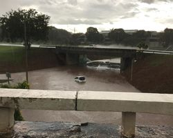 Chuvas intensas castigam Brasília no domingo de Páscoa