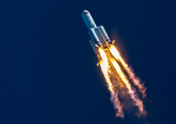 Chinese rocket crashes in the Indian Ocean