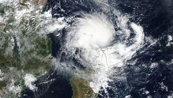 El ciclón tropical Kenneth amenaza de nuevo a Mozambique